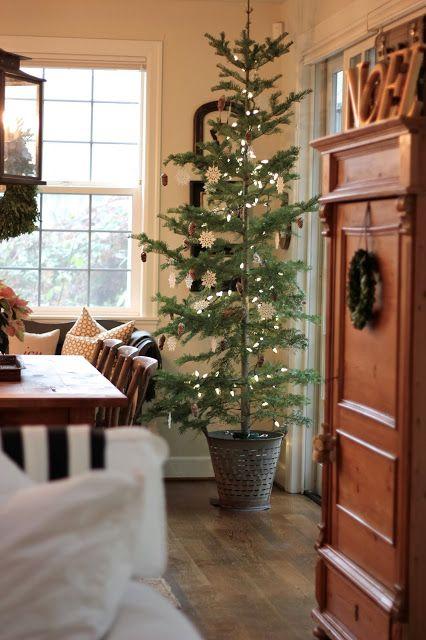 christmas tree minimalist
