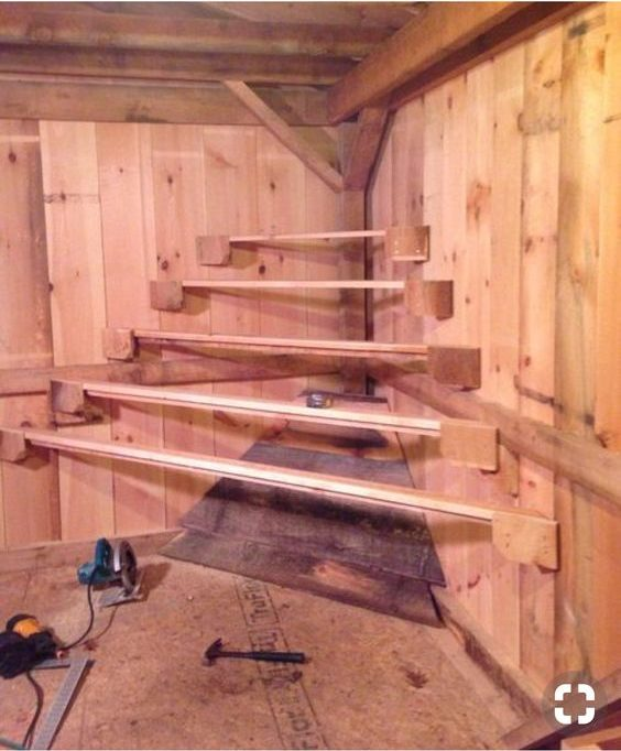 how to convert a horse stall into a chicken coop