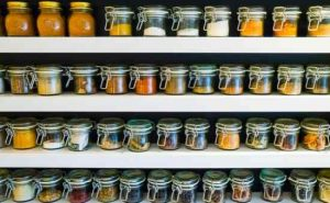 How to Minimize Your Spice Cabinet