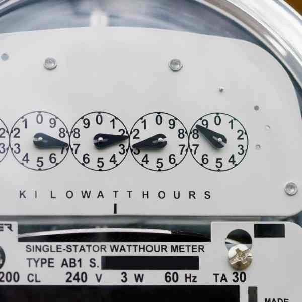 How to Save on Gas and Electric Bills at Home