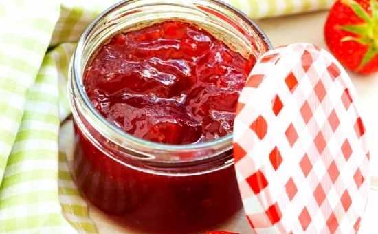Easy Strawberry Preserves Recipe