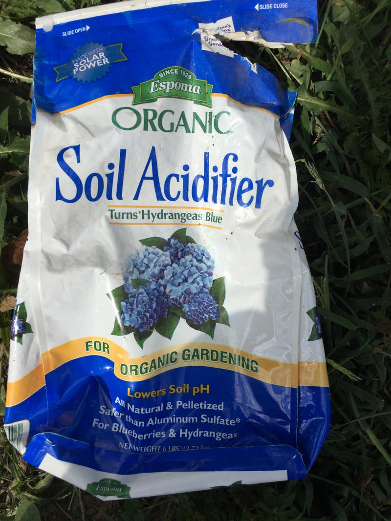 bag of organic soil acidifer