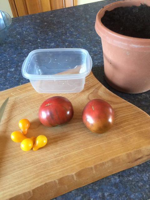 heirhoom tomatoes on cutting board