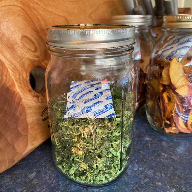 dried broccoli in a mason jar with oxygen absorber