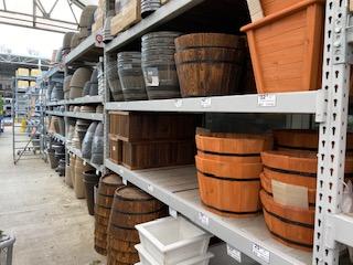 retail gardening pots