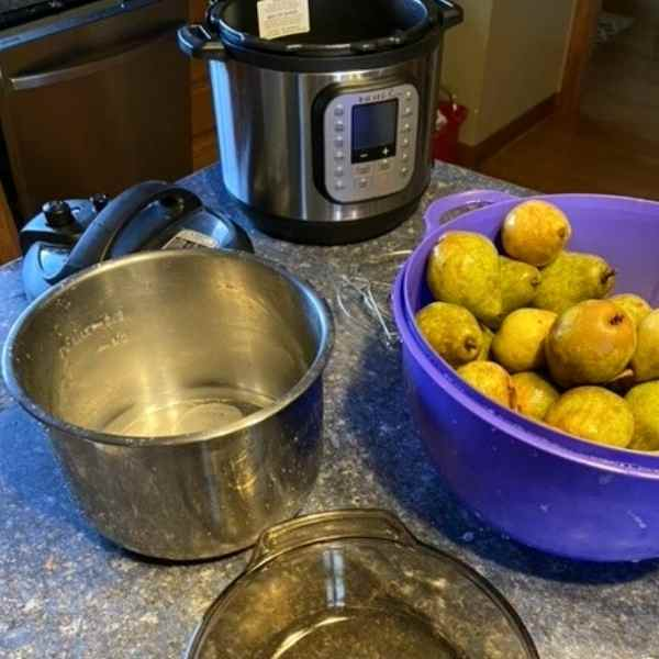 making pear sauce in instant pot